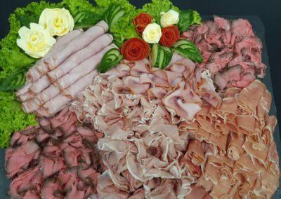 REWE Stolpwoski Platte mit verschiedenen Schinkensorten und Salat