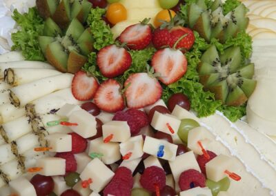 REWE Stolpwoski Platte mit Obst und Käse