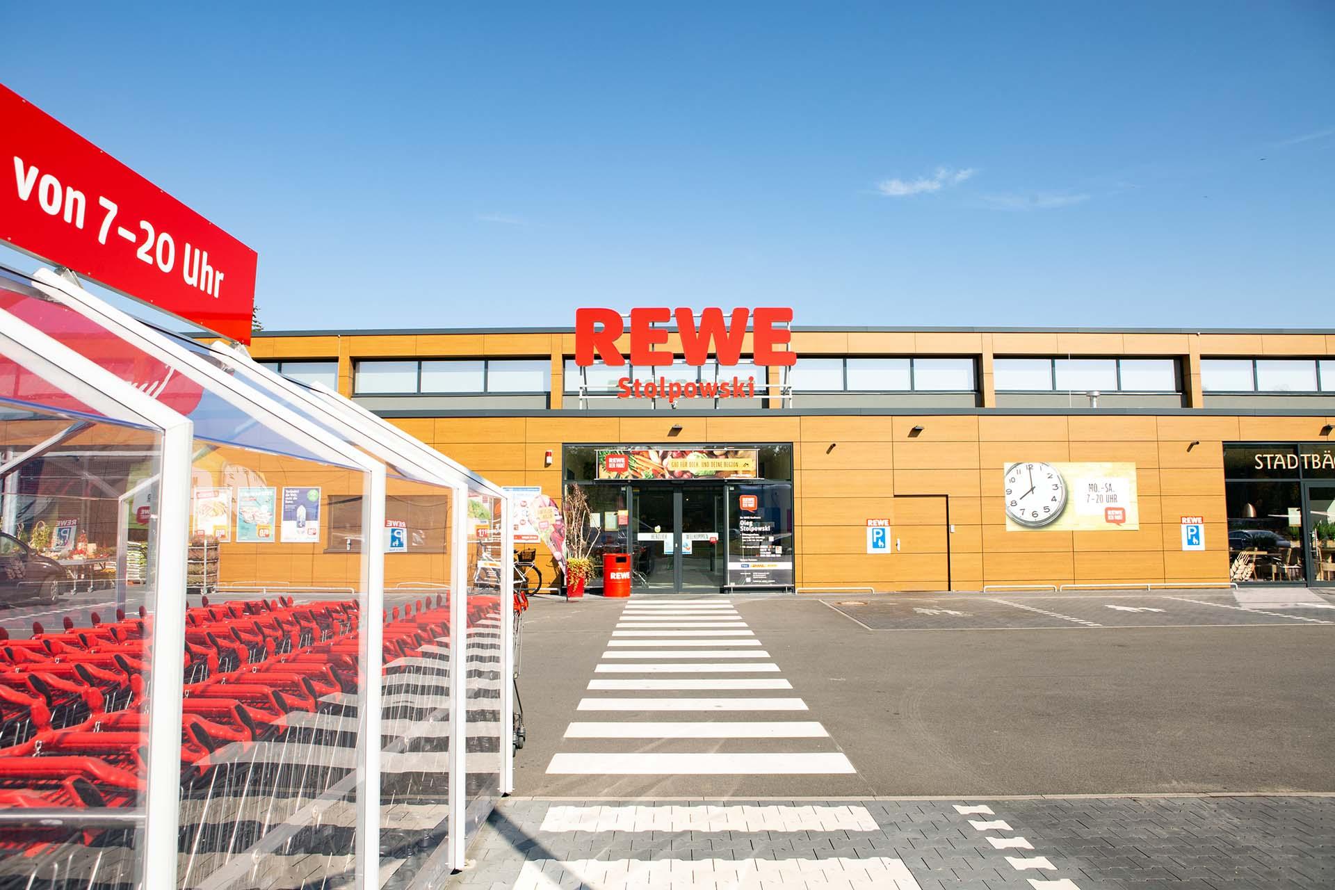 Eingang bei REWE Stolpowski in Heilsbronn